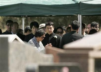 jackie chan father funeral - photo #16